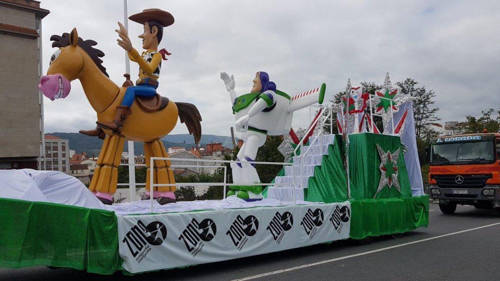 Carrozas infantiles con personajes Disney para eventos, fiestas, cabalgatas, desfiles...