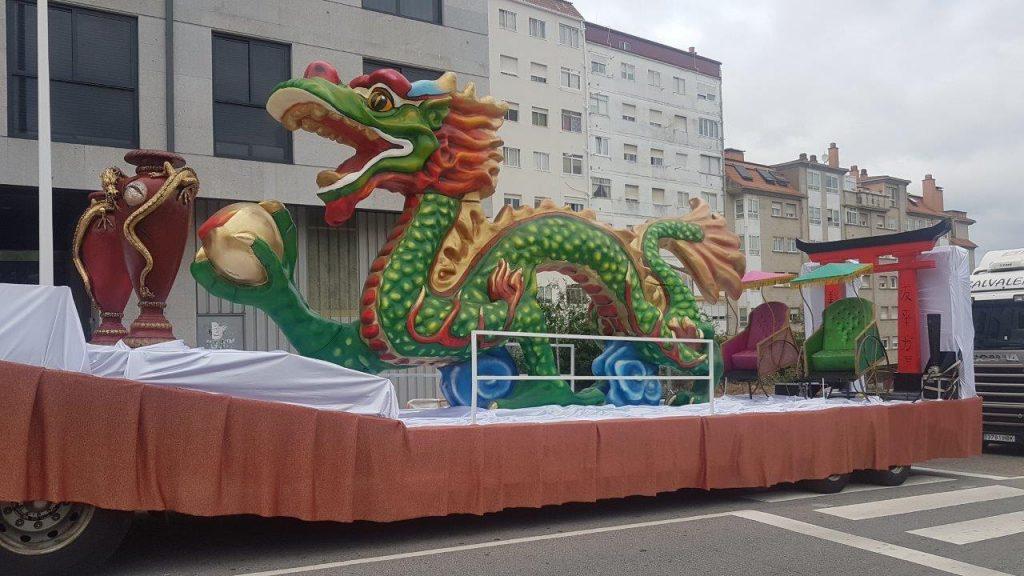 Carrozas y figuras para desfiles, fiestas y eventos