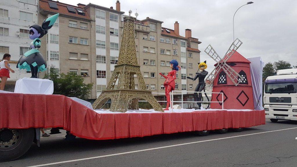 Carrozas de inspiración infantil para eventos y desfiles